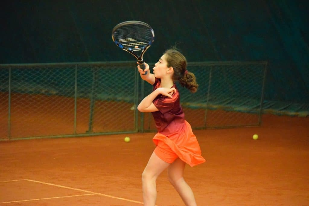 filename choosing, girl playing tennis example