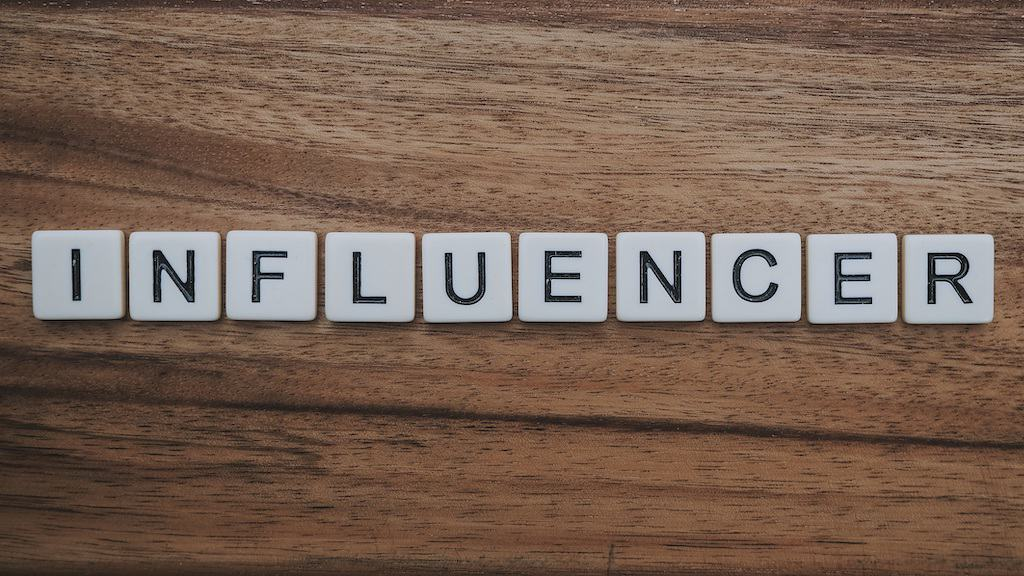 influencer, dice example