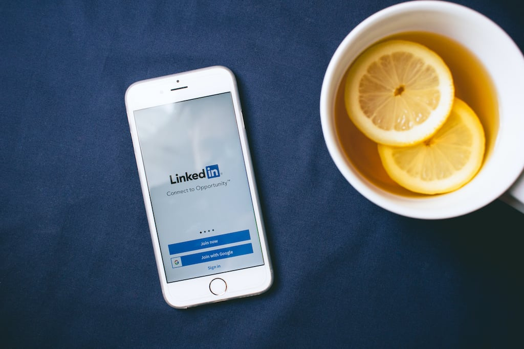 linkedin and a tea with oranges