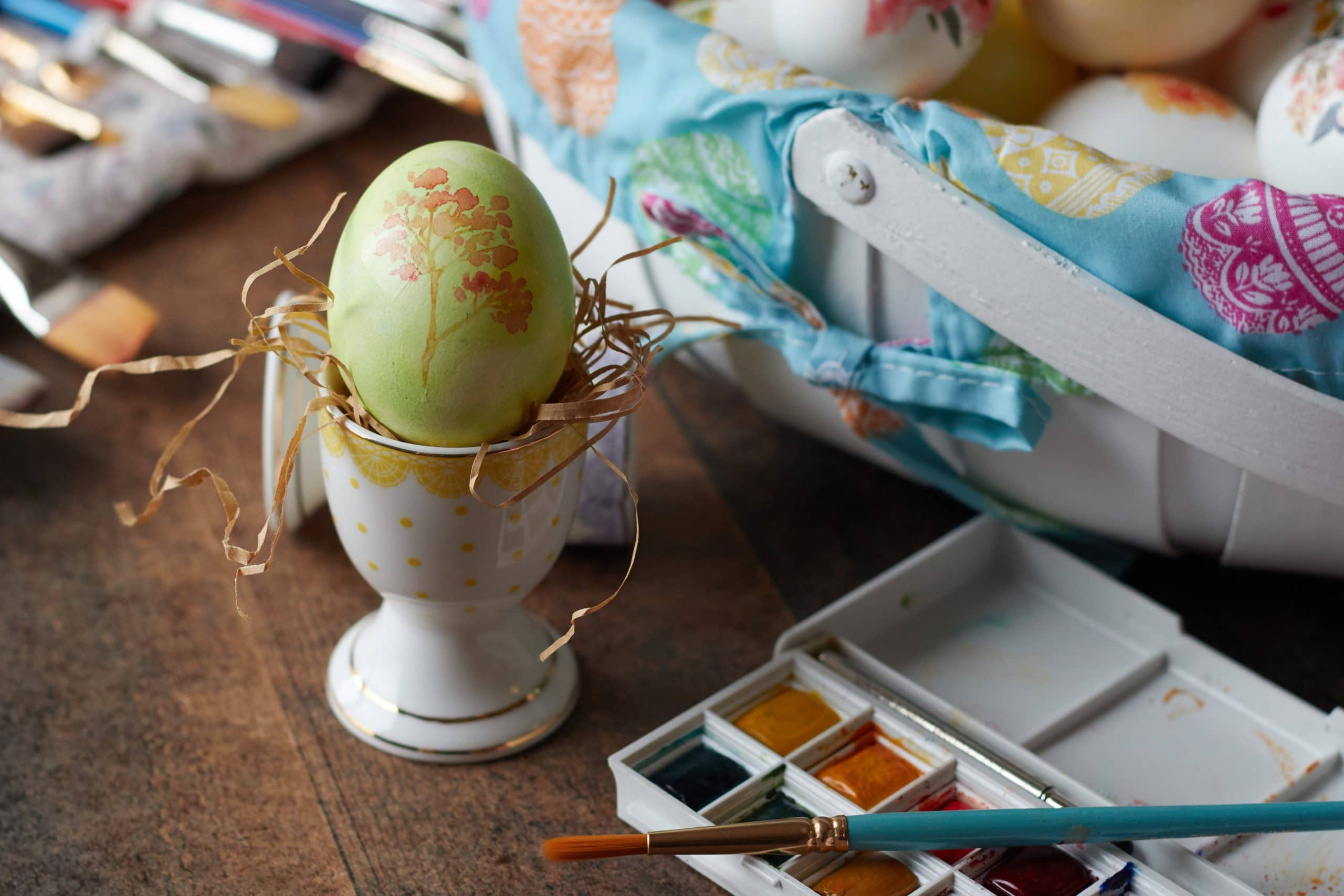 egg painted with design trends